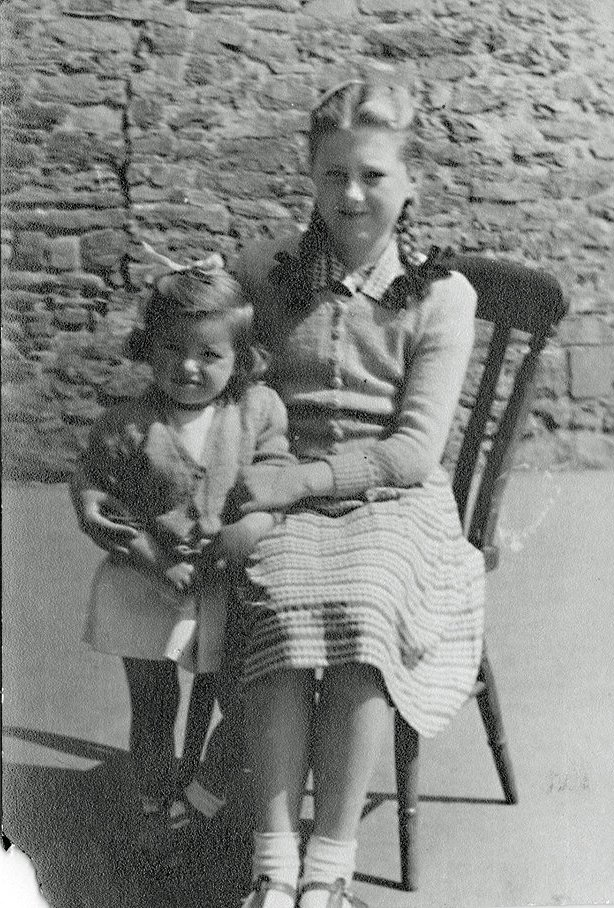 Eunice and Susan Andrews in 1951