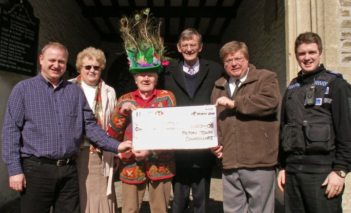 Pilton Festival receives cheque from Barnstaple Town Councillors in 2010