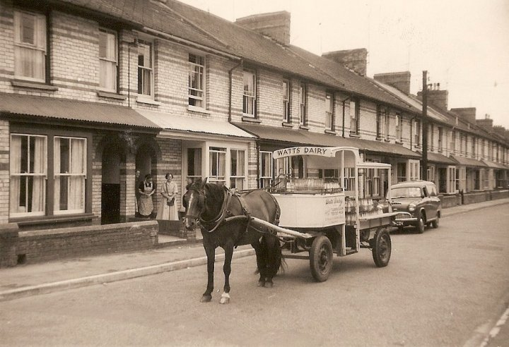 Watts Dairy delivering milk in Yeo Vale Road in 1960