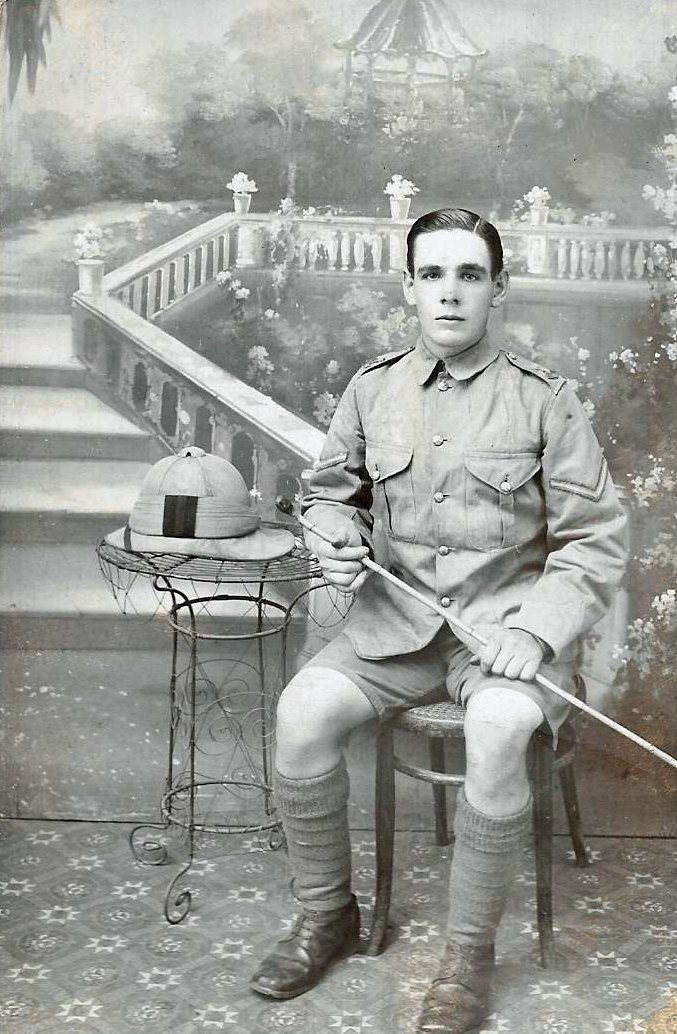 Alfred Edward Hobbs in Deolali, Maharastra, India, in 1915