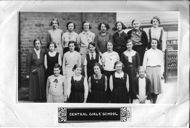 Jennie Hobbs and the Barnstaple Central Girls' School in 1937