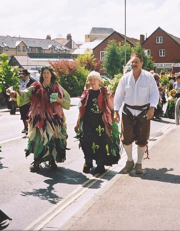 Jim Eveleigh taking part with his wife Liz and Albert Linacre, Pilton Festival c2005