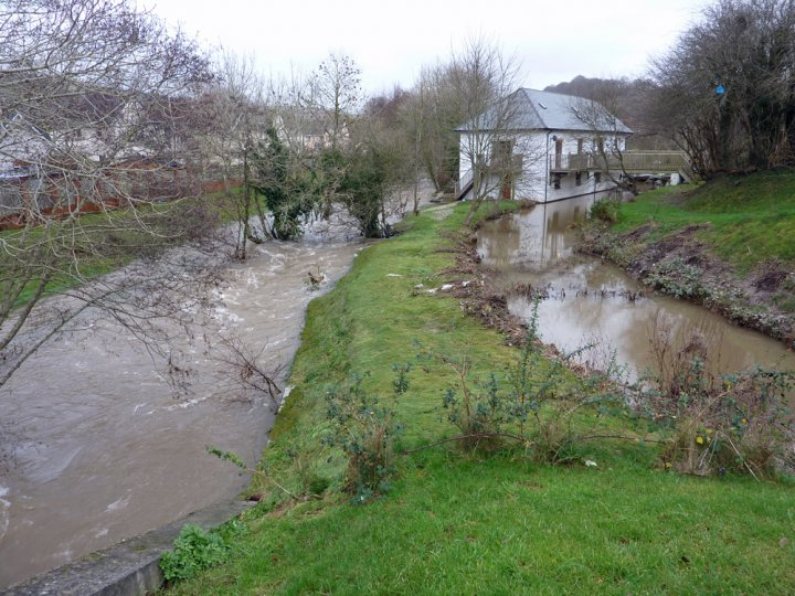 Flood Risk on River Yeo at Raleigh December 2012