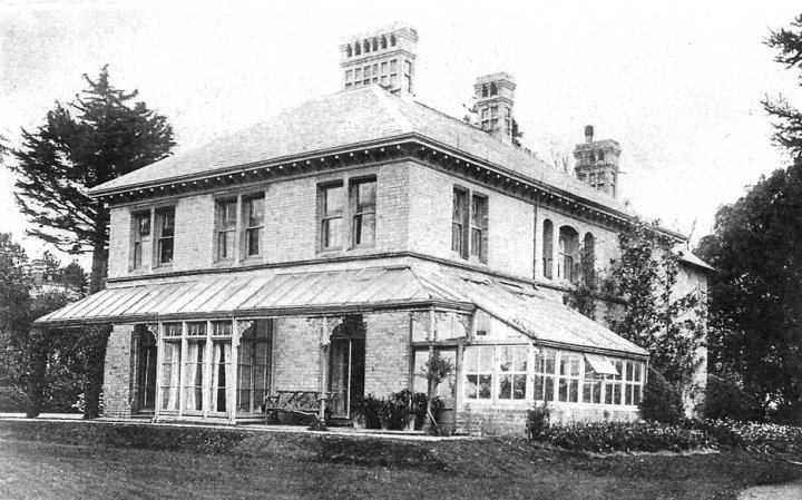 Lion House, Bradiford, formerly known as 'Brooklands' in about 1915