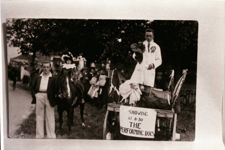 Harold Reed of The Reform Inn and His Performing Dogs in 1928