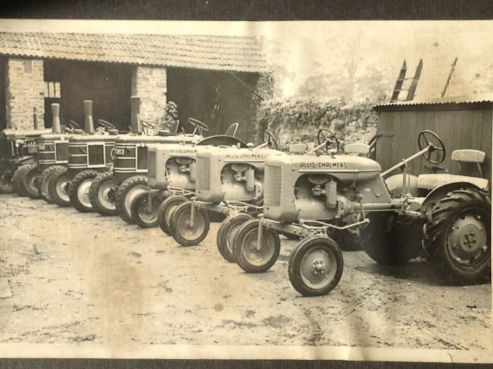 Tractors behind 12 Pilton Street Offices of Braileys Engineers Ltd