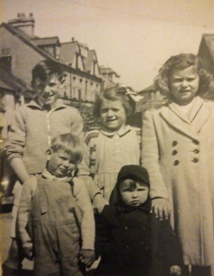 Living on Pilton Quay in the 1950s : 1