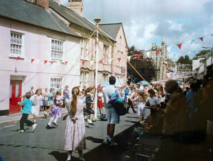 Maypole Dancing and Country Dancing in Pilton Street