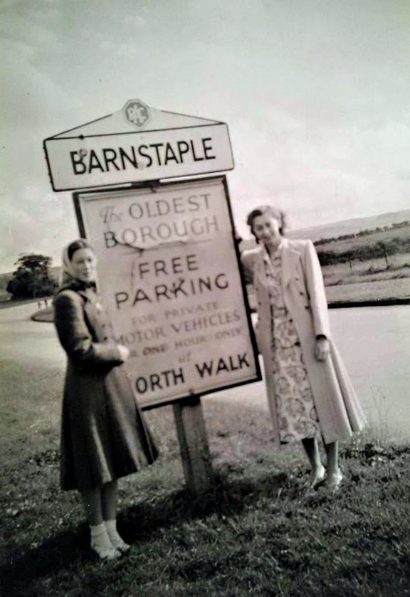Jean Elston and Joyce Thorne on the North Road in 1950