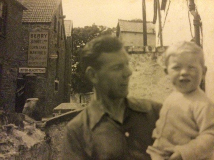 Living on Pilton Quay in the 1950s : 3